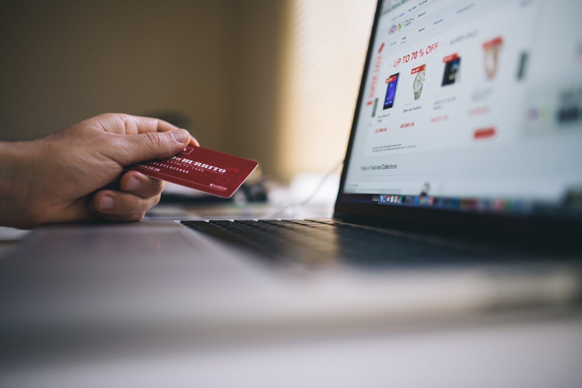 Error de seguridad: por qué no debemos guardar los números de tarjetas bancarias